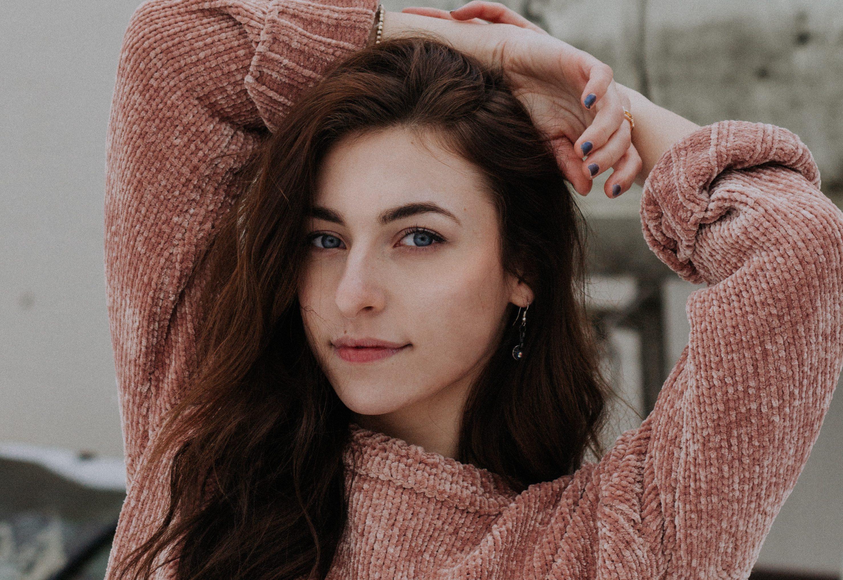 Adeus cabelos oleosos: veja 5 dicas para acabar com o sebo dos fios