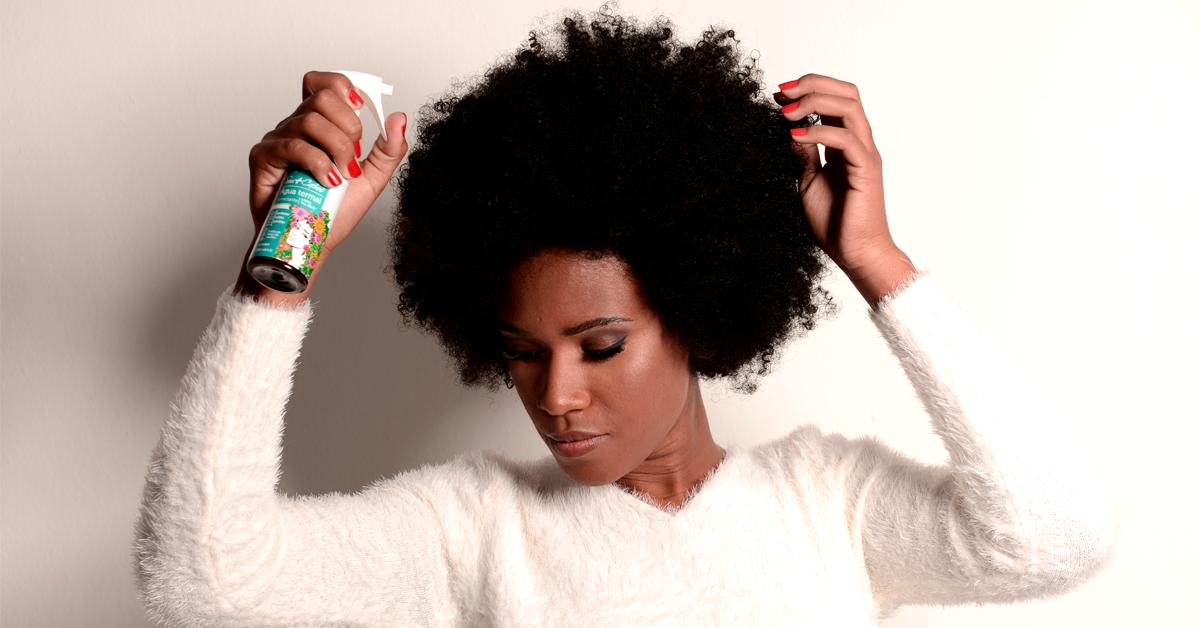 Água termal para cabelo: veja como incluir esse produto na sua rotina capilar