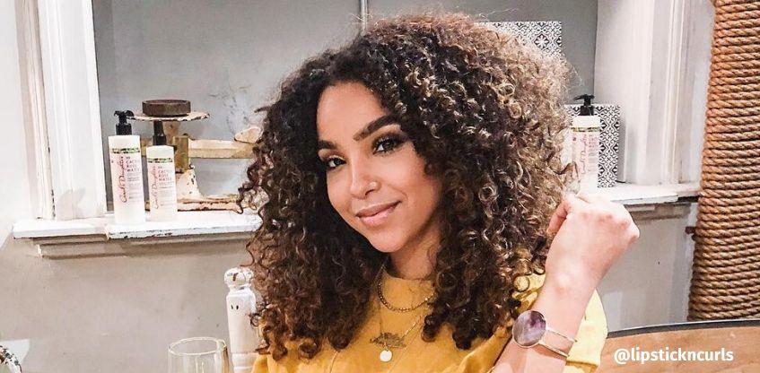 Escova para cabelo cacheado: como escolher a ideal para esse tipo de cabelo