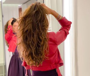 como cortar o cabelo sozinha em u