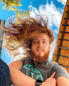 cabelo grande masculino saudável