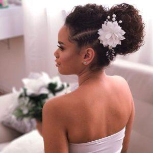 Penteados para cabelos cacheados para noiva