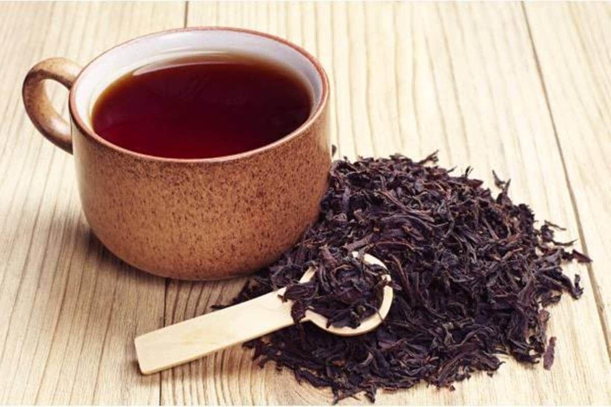 como escurecer o cabelo naturalmente com chá preto