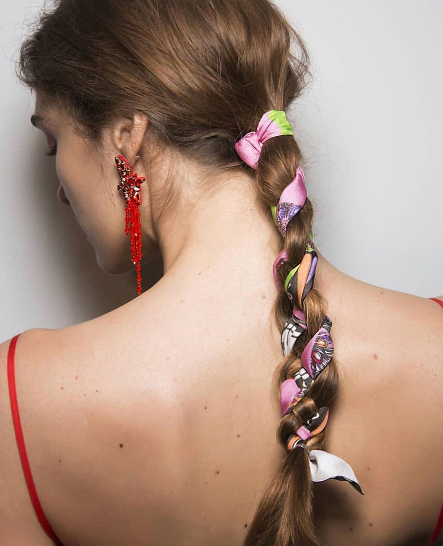 como usar lenço no cabelo com trança