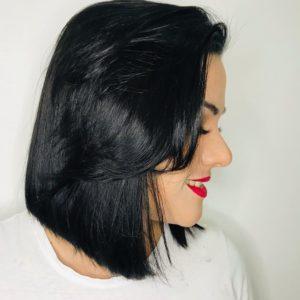 cabelo preto azulado curto liso