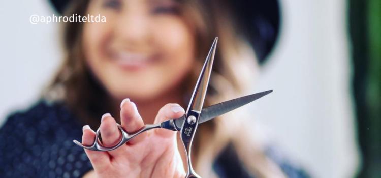 Tesoura de cortar cabelo: entenda qual é a ideal