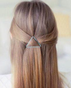 penteado meio preso com grampo de cabelo
