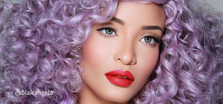 cabelo lilás cacheado