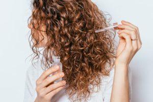 oleo de hibisco no cabelo