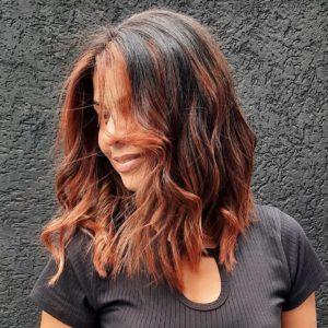 como cuidar do cabelo com luzes acobreadas